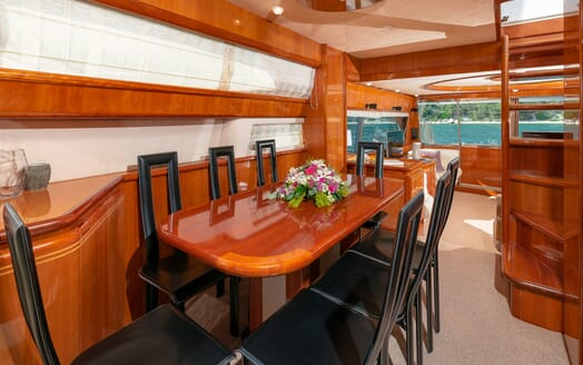 Motor Yacht Marino Dining Table