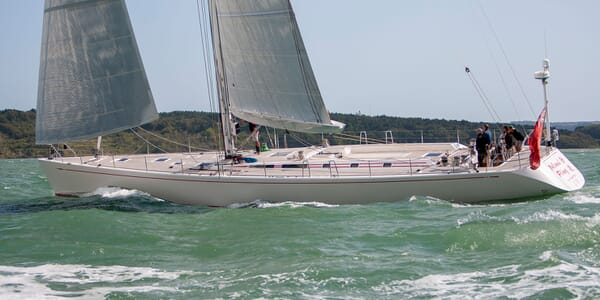 Sailing Yacht ISLAND FLING Profile Underway