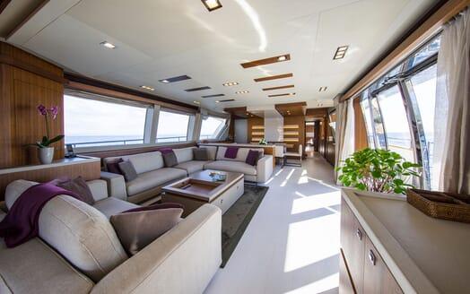 Motor Yacht CAMPO VERDE Main Deck Salon
