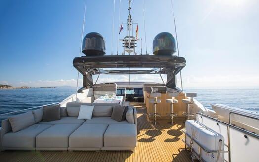 Motor Yacht CAMPO VERDE Sun Deck Sun Pad