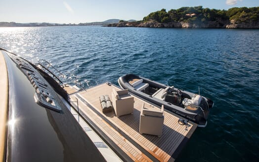 Motor Yacht CAMPO VERDE Swim Platform