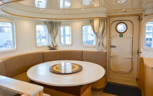 Motor Yacht ELENA Saloon Table