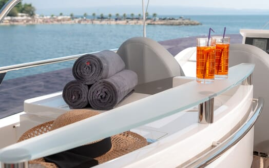 Motor Yacht Champion Towels