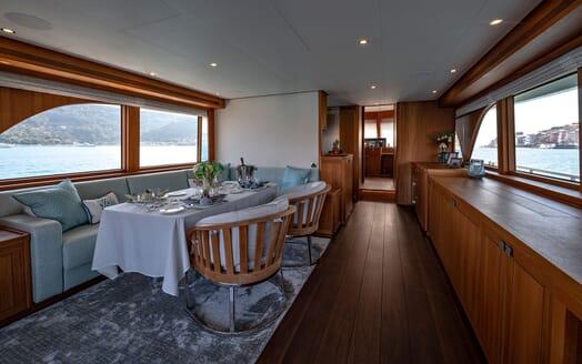 Motor Yacht VELVET GLOVE Main Saloon Dining Table