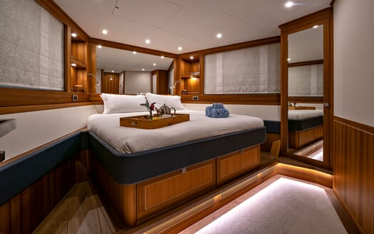 Motor Yacht VELVET GLOVE VIP Double Guest Stateroom