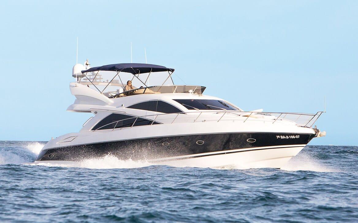 Motor Yacht MEDITERRANI IV Profile Underway