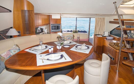 Motor Yacht MEDITERRANI IV Dining Table
