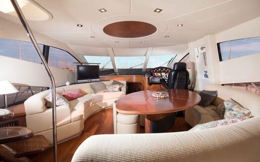Motor Yacht MEDITERRANI IV Main Salon