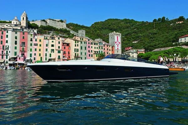 Motor Yacht DIVAMARE Profile