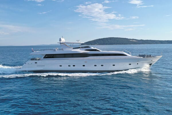 Motor Yacht Princess Lona Underway