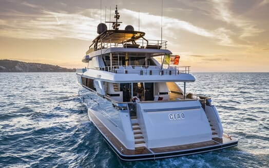 Motor Yacht CIAO Exterior Aft View