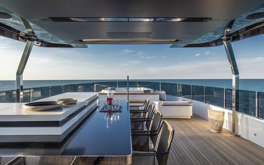 Motor Yacht CIAO Sun Deck Jacuzzi And Bar
