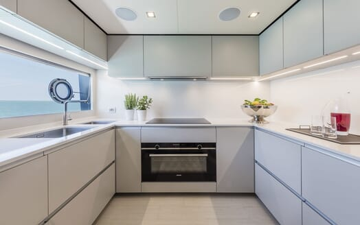 Motor Yacht CIAO Galley