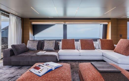 Motor Yacht CIAO Sky Lounge