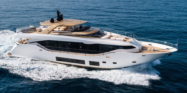 Motor Yacht TABOO OF THE SEAS Running Profile
