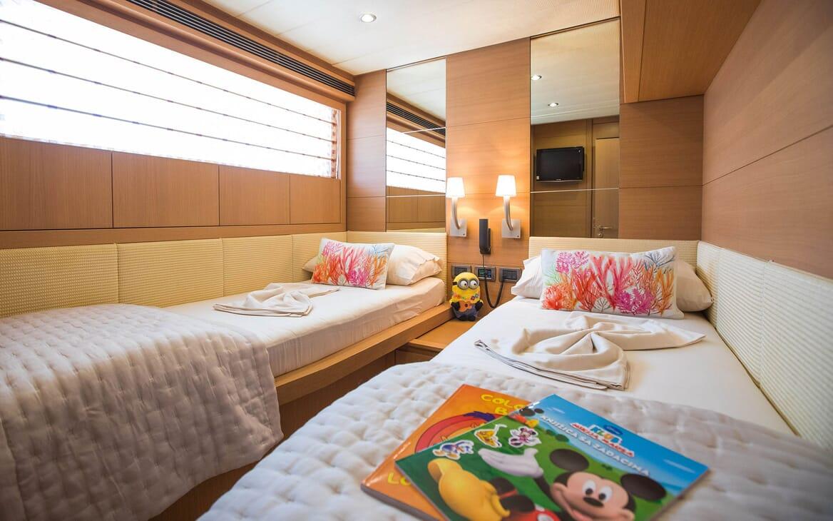 Motor Yacht SALT Guest Twin Stateroom