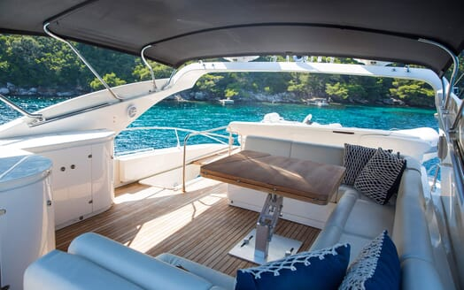 Motor Yacht SALT Sun Deck