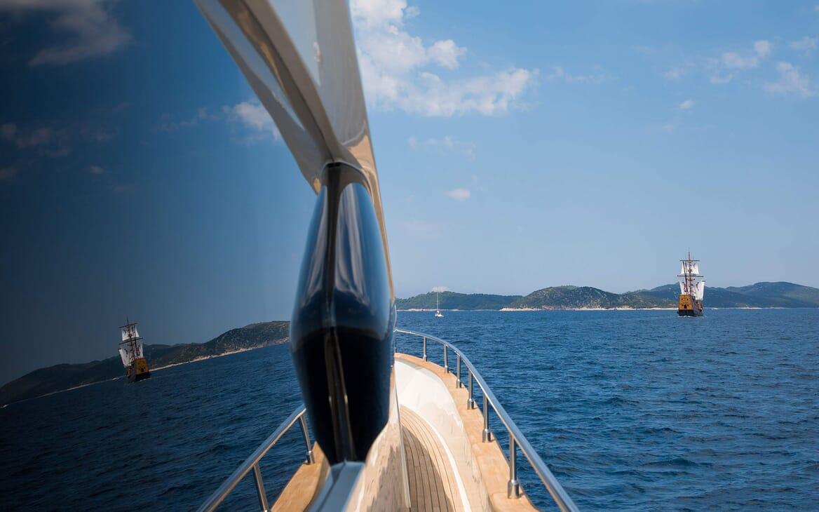 Motor Yacht SALT Walkway reflection