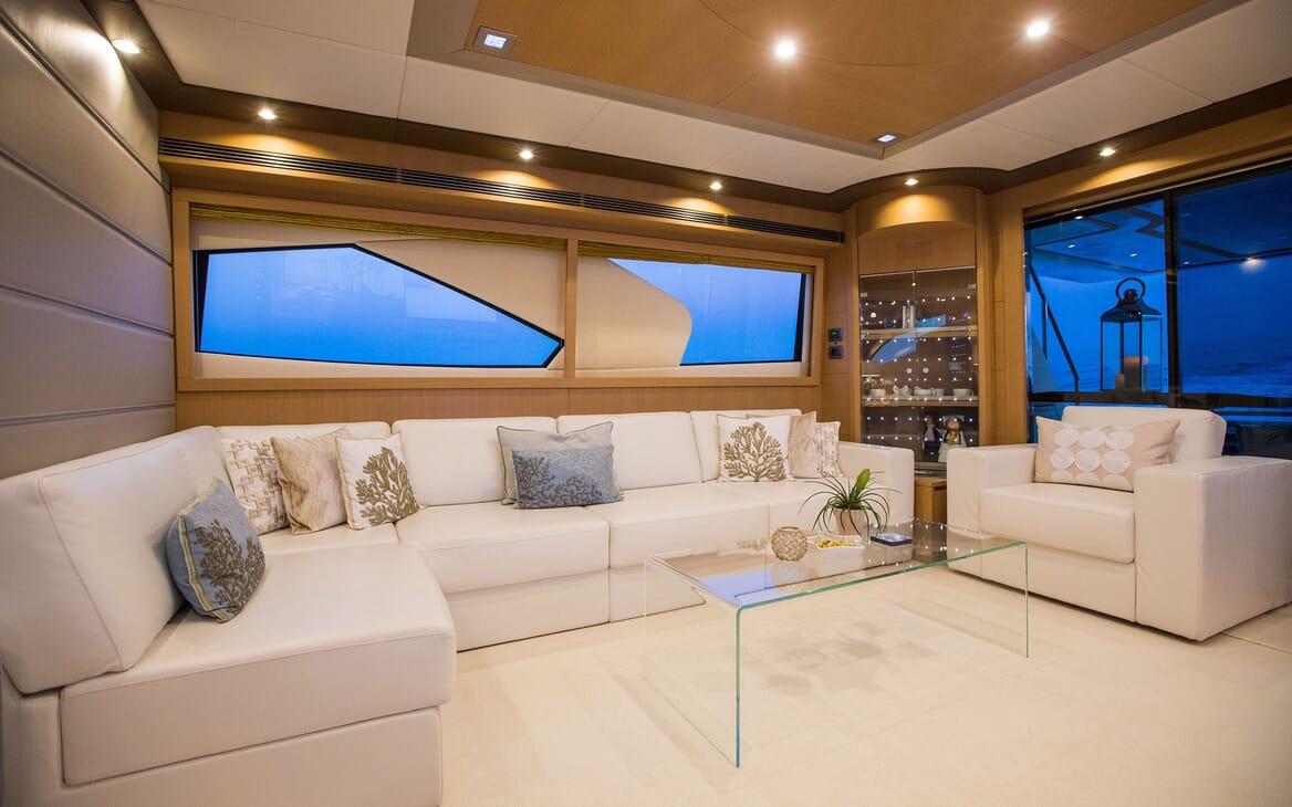 Motor Yacht SALT Main Saloon Seating