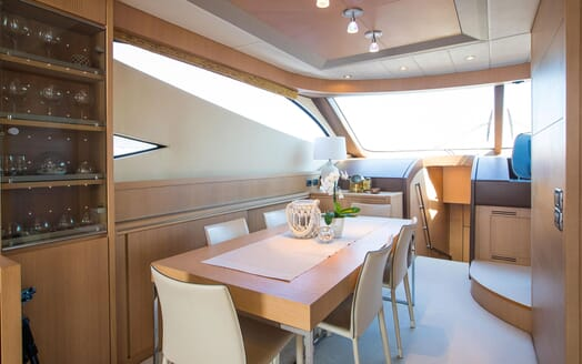 Motor Yacht SALT Dining Table