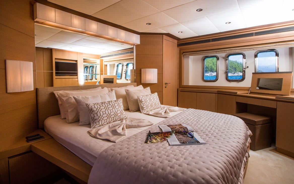 Motor Yacht SALT Master Stateroom