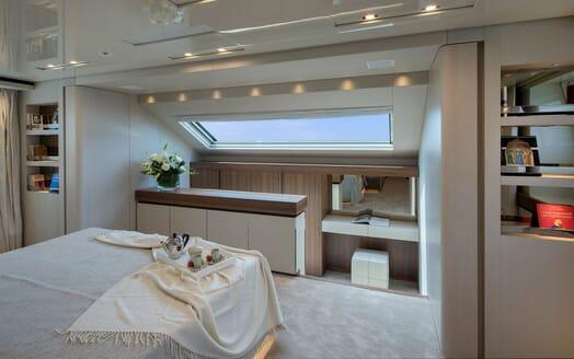Motor Yacht ANDINORIA Master Stateroom 3