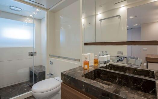 Motor Yacht ANDINORIA Bathroom
