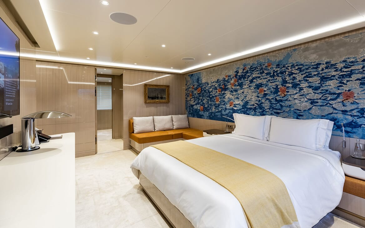 Motor Yacht SOARING Guest Double Stateroom 3
