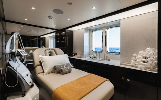 Motor Yacht SOARING Wellness Room