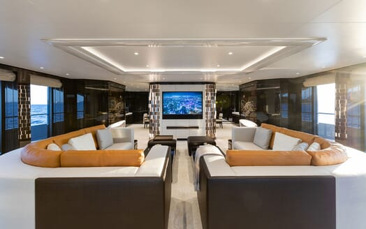 Motor Yacht SOARING Main Deck Saloon TV and Seating