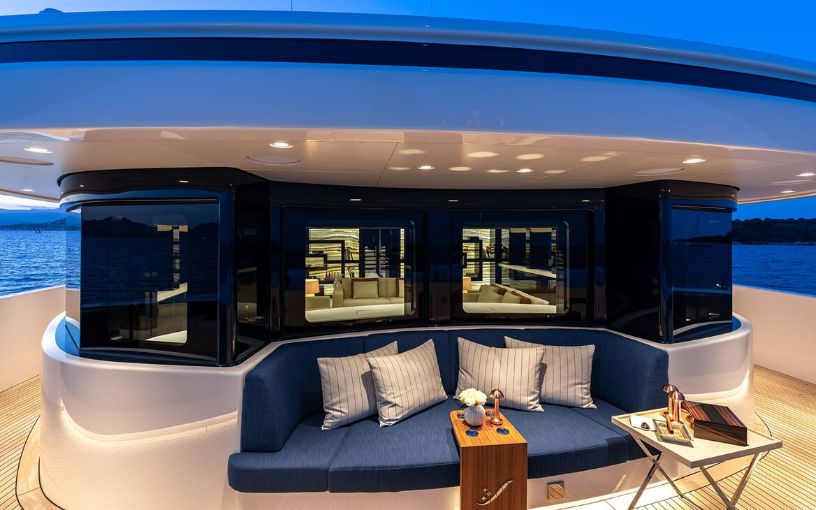 Motor Yacht SOARING Forward Seating Area