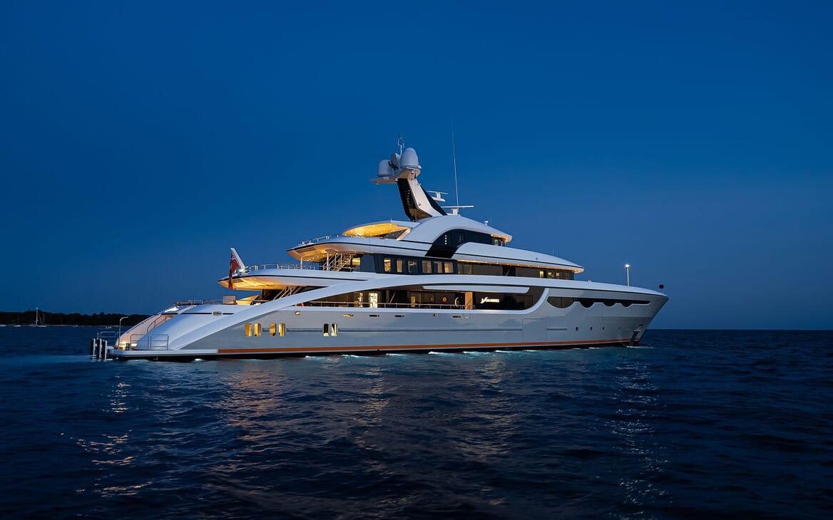 Motor Yacht SOARING Exterior Aft Evening