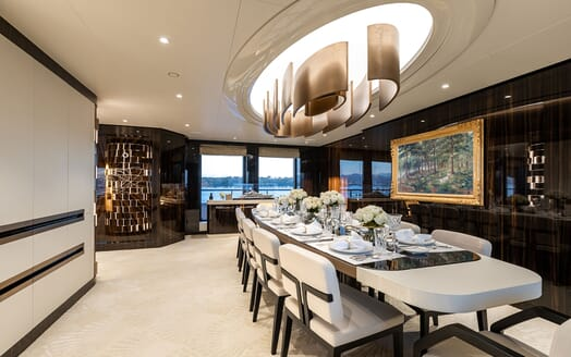 Motor Yacht SOARING Main Deck Dining Room Table