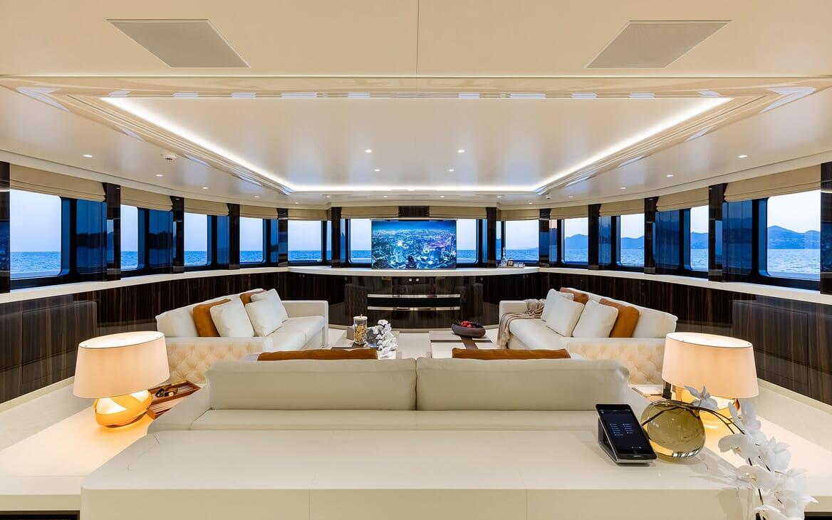Motor Yacht SOARING Upper Deck Saloon TV