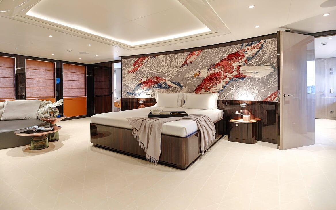 Motor Yacht SOARING Master Stateroom