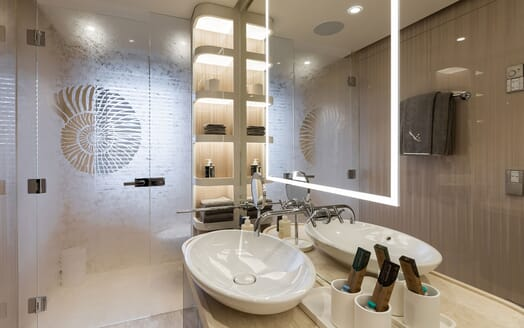 Motor Yacht SOARING Double Guest Bathroom 2