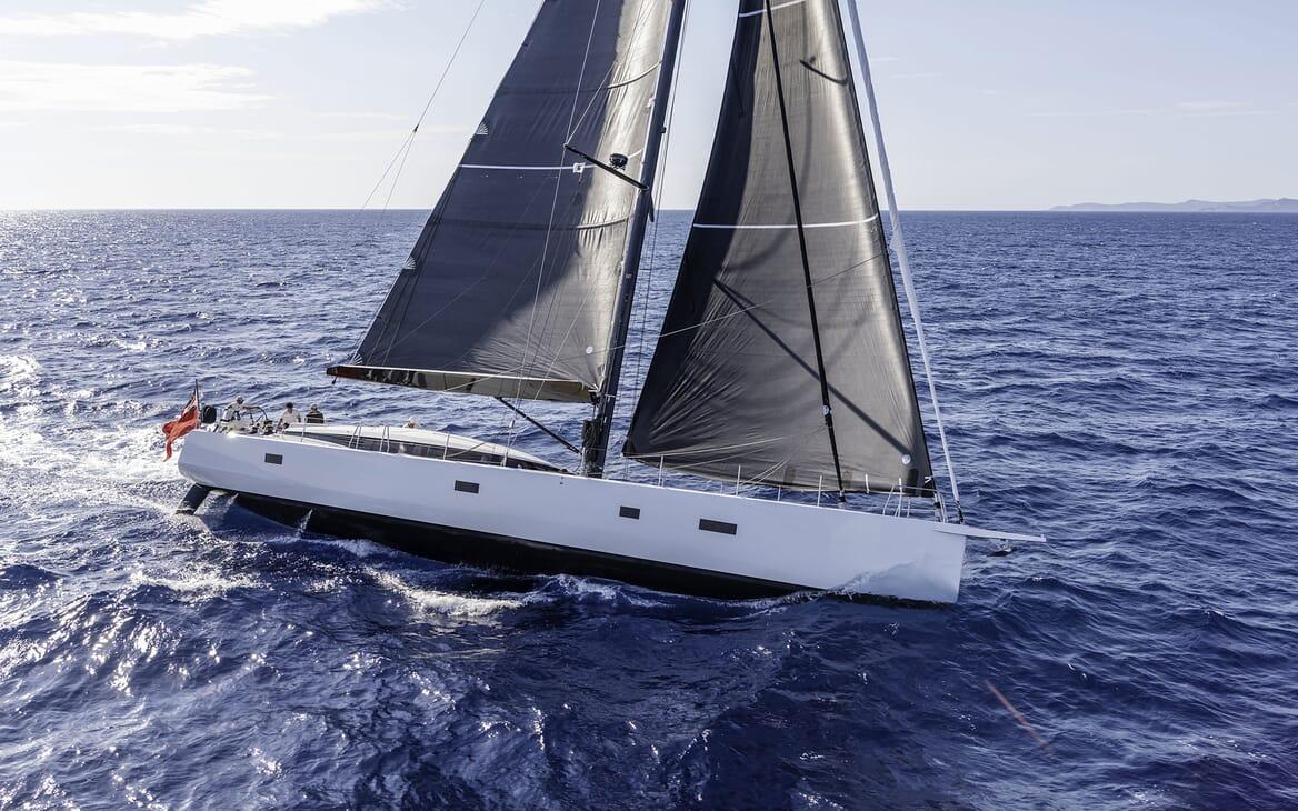 Sailing Yacht XAIRA Underway