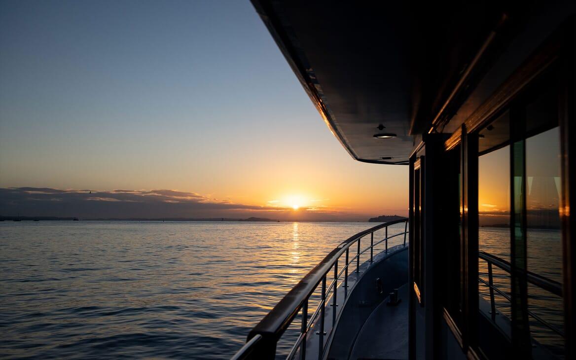 Motor Yacht SEA BREEZE III Deck Seating