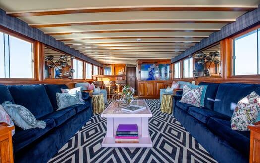 Motor Yacht SEA BREEZE III Twin Guest Stateroom