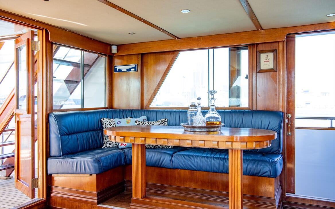 Motor Yacht SEA BREEZE III Fruit Bowl