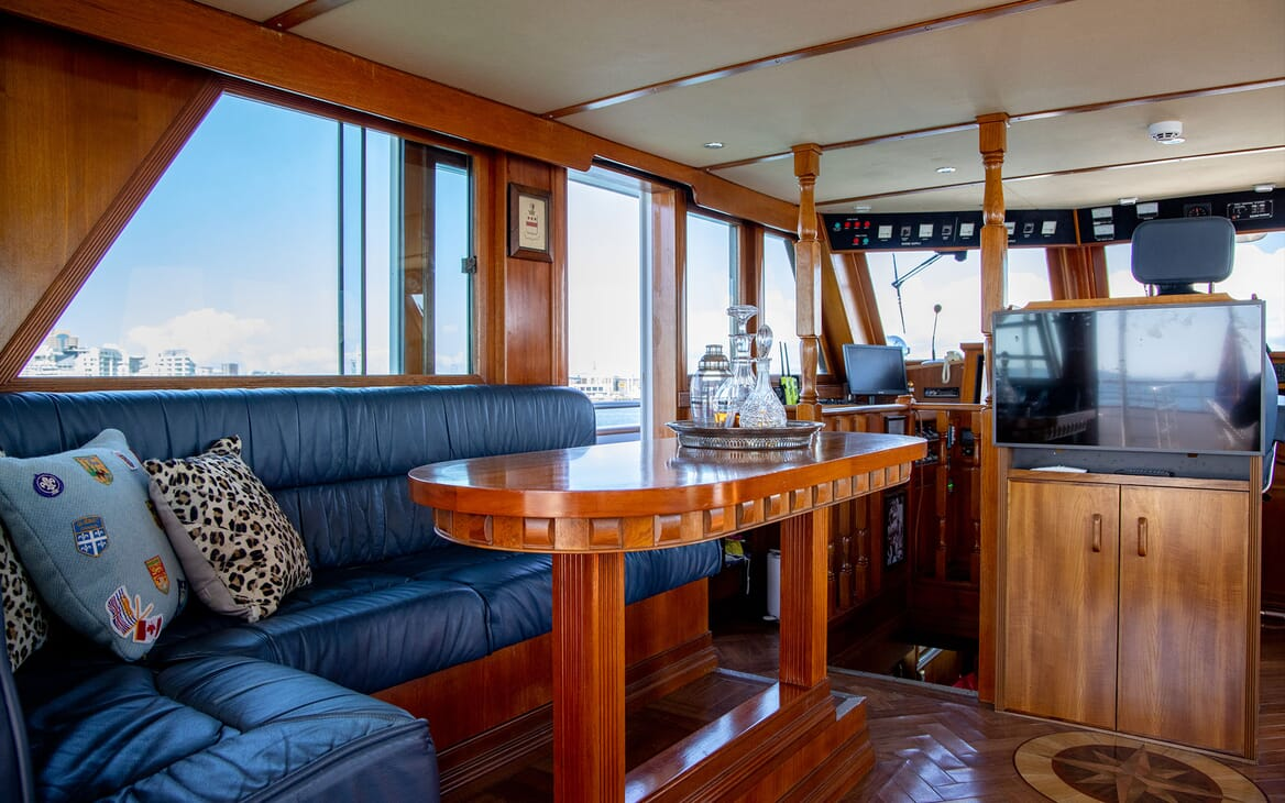 Motor Yacht SEA BREEZE III Aft Deck Sun Lounger