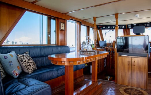 Motor Yacht SEA BREEZE III Aft Deck Sun Lounger