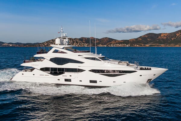 Motor Yacht ANGELUS Profile