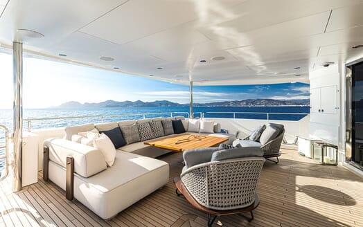Motor Yacht ANGELUS Aft Deck Seating