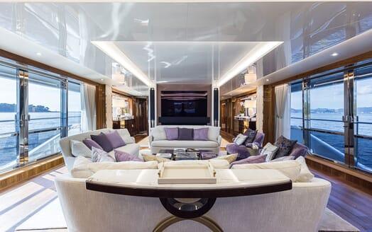 Motor Yacht ANGELUS Main Salon