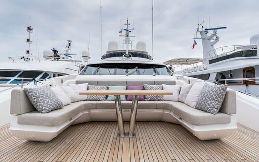 Motor Yacht ANGELUS Bow Seating
