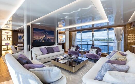 Motor Yacht ANGELUS Main Salon TV