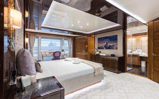 Motor Yacht ANGELUS Double VIP Stateroom