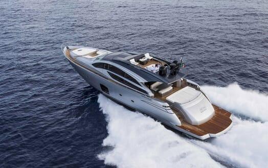 Motor Yacht BAGHEERA Aft Underway