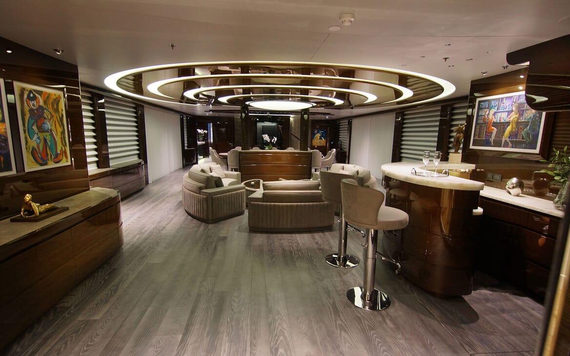Motor Yacht BABA'S Saloon and Bar